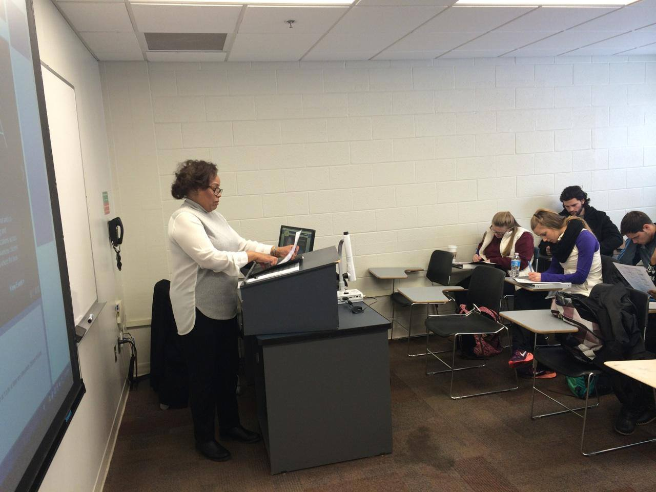Wanda Turpin trains ODU Students